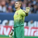 Transfer news: Victor Valdes to see out final 12 months of Barcelona contract | Sky Sports