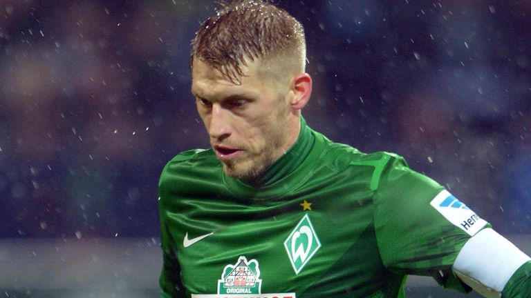 Aaron Hunt: Midfielder refusing to commit his future to Werder Bremen