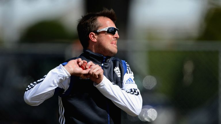 Graeme Swann: England spinner needs another operation on his right elbow