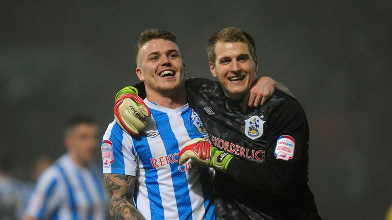 Alex Smithies celebrates with winning goalscorer Danny Ward