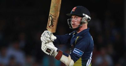 Hampshire cruise to easy win