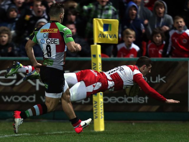 Jonny May dives in for a Gloucester try