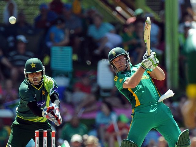 AB de Villiers: Two late sixes