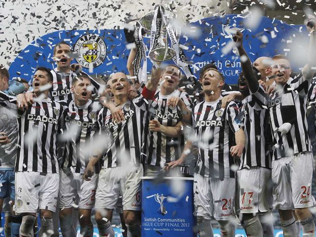 St Mirren celebrate winning the Scottish League Cup