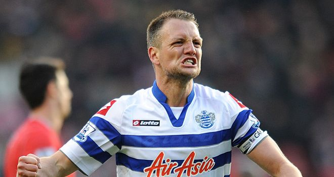 Clint-hill-celeb-ft-southampton-v-qpr_2908815