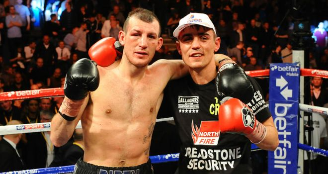 Derry Mathews (L) and Anthony Crolla: Rematch ends in Liverpool draw (Image: leighdawneyphotography.com)