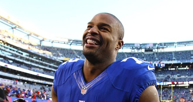 Osi Umenyiora: moves to the Atalanta Falcons on a two-year deal
