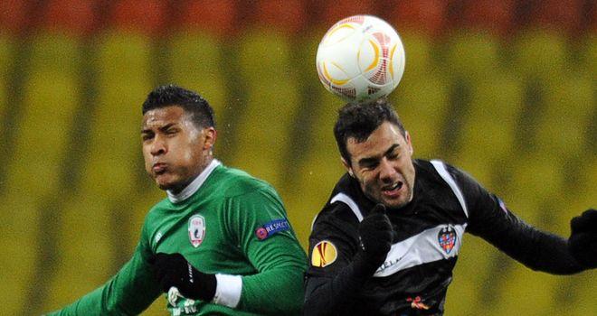 José Rondon vies with Levante's defender Sergio Ballesteros