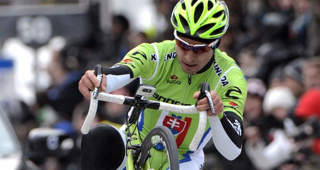 Peter Sagan celebrated by pulling a wheelie over the line