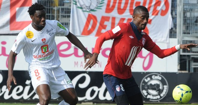 Salomon Kalou (right) was on target for Lille