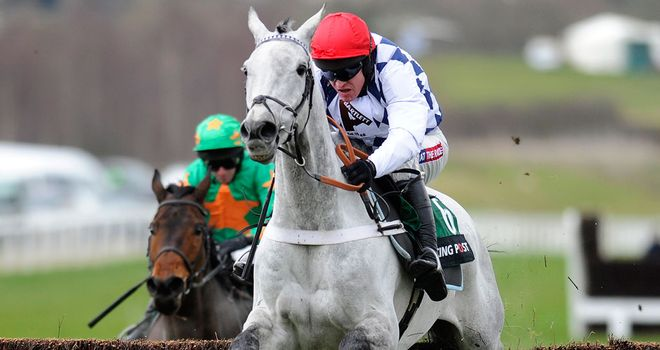 Baily Green (l): Chased home Simonsig in the Arkle