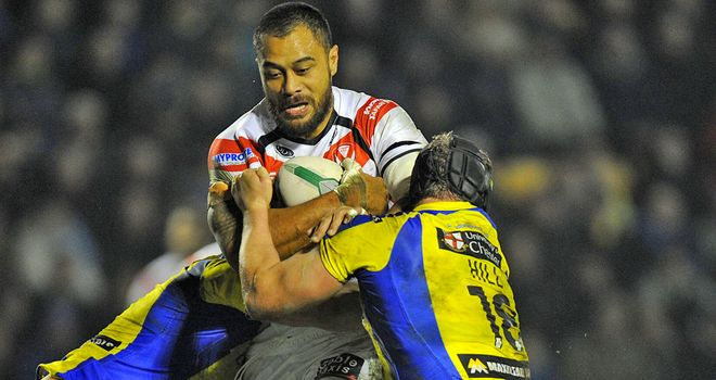Tony Puletua tries to break through the Warrington defence