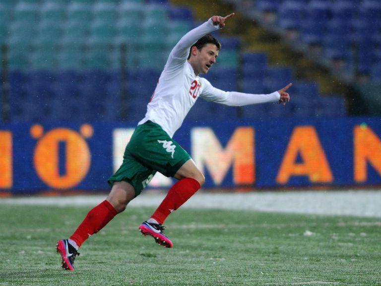 Aleksandar Tonev: Will complete a move to Villa Park