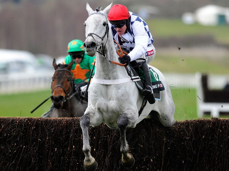Who is this chasing home Simonsig in the Racing Post Arkle?