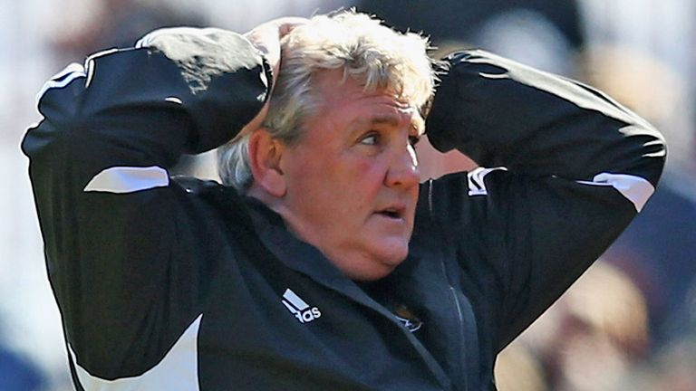 Steve Bruce: Handed Danny Graham his debut, but saw Hull City held
