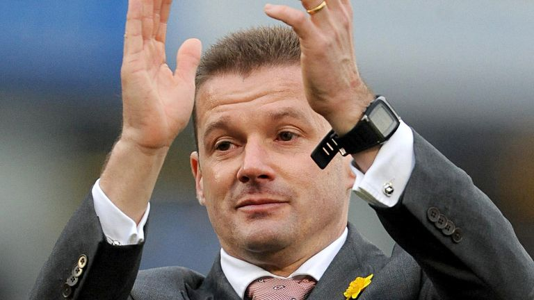 Graham Westley: Fifth summer signing completed