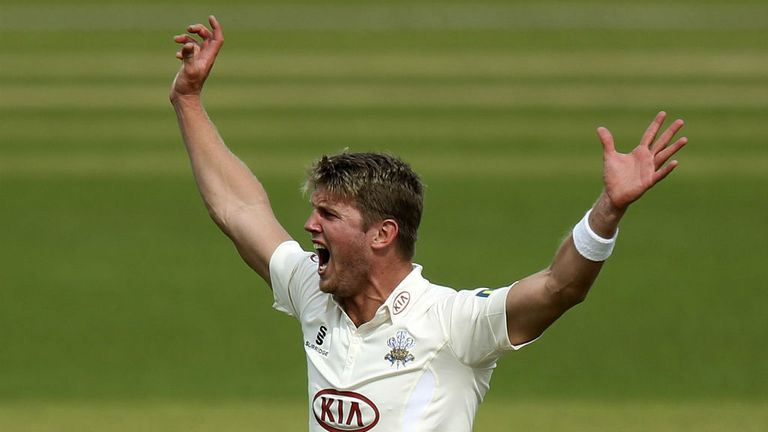 Stuart Meaker: Four wickets as Surrey fight back