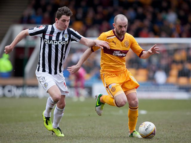 Kenny McLean tracks James McFadden