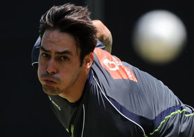 Mitchell Johnson: Took 2-8 as Mumbai beat Pune to climb to second in IPL