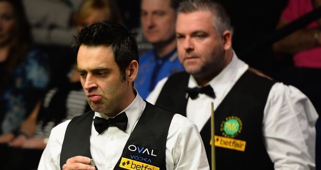 Marcus Campbell can only watch on as Ronnie O'Sullivan registers a 10-4 win