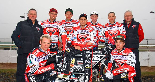 The Swindon Robins want winning momentum for play-offs (Pic: Les Aubrey)