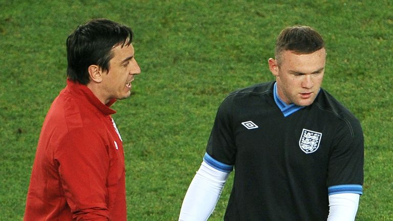 Gary Neville: Backing Wayne Rooney to stay at Manchester United