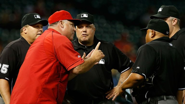 Angels boss Mike Scioscia argues with officials