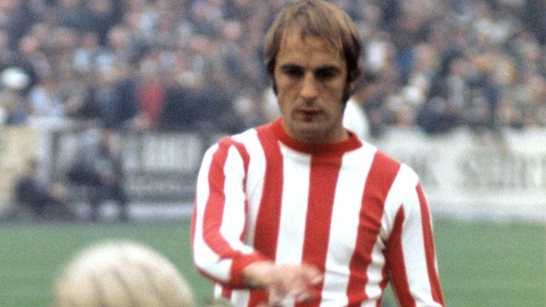 Ron Davies: Former Southampton striker has died aged 71