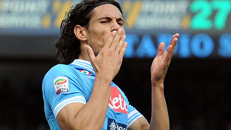 Edinson Cavani: Napoli boss Rafa Benitez wants star striker to stay