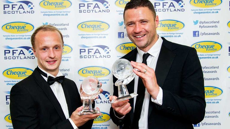 Hibernian's Leigh Griffiths (left) and Motherwell's Michael Higdon with their PFA Scotland awards