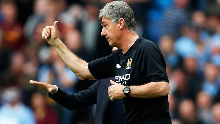 Brian Kidd: Staying on at Manchester City