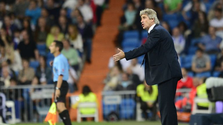 Manuel Pellegrini: Malaga coach denies a deal to go to Manchester City