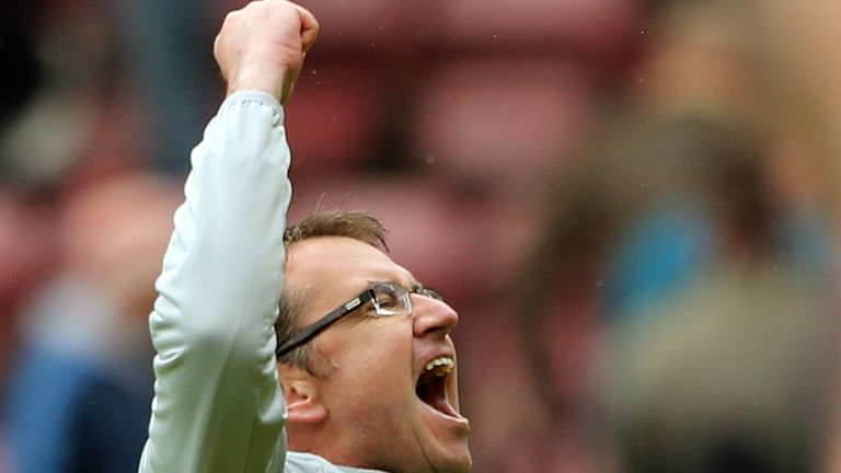 Pat Fenlon: Was left embarrassed by his Hibernian side
