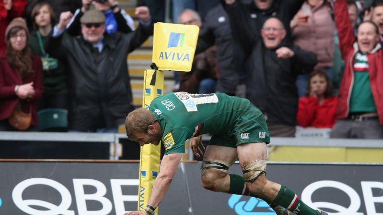 Tom Croft touches down for Leicester against Harlequins