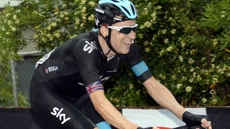 Bradley Wiggins crashed 6km from the finish and lost 1min 24secs