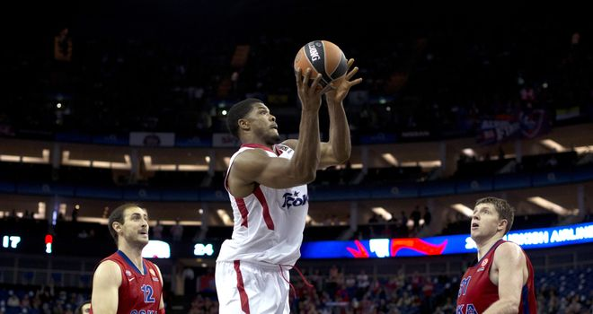 Kyle Hines: Recorded a double-double in Olympiacos' victory