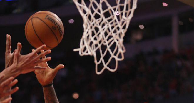 LeBron James scored 25 points as the Miami Heat beat the Chicago Bulls