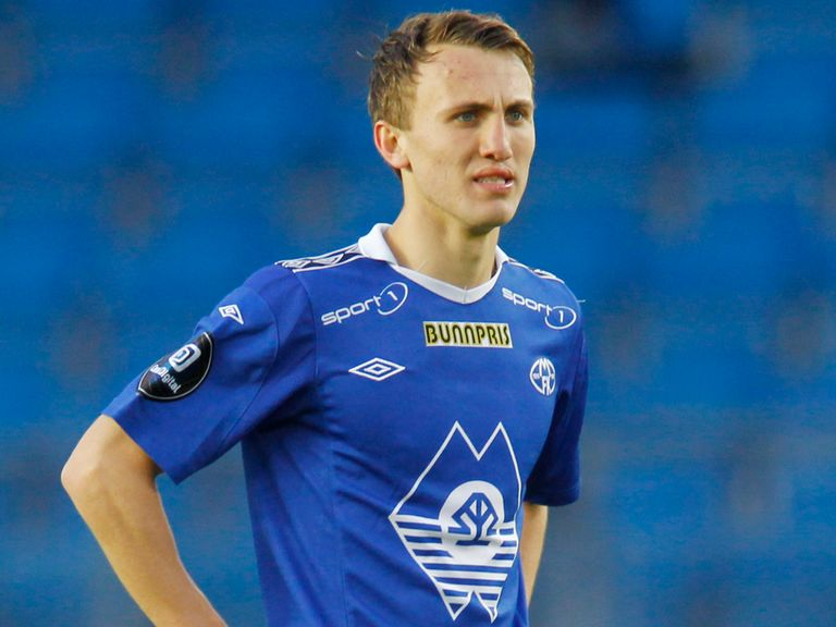 Magnus Wolff Eikrem: Signs for Cardiff