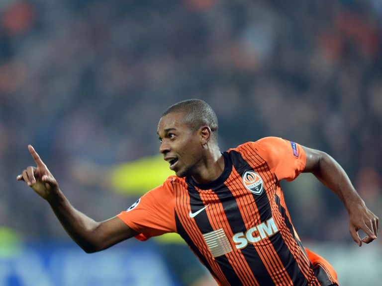 Fernandinho: Manchester City move