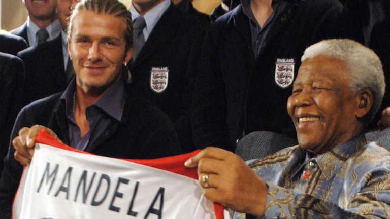 Nelson Mandela meets David Beckham and the rest of the England squad in 2003