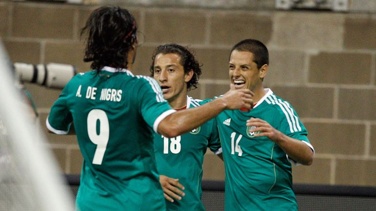 Javier Hernandez (r): Celebrates in Houston
