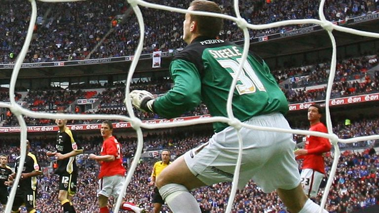 Luke Steele playing in an FA Cup semi-final for Barnsley at Wembley in 2008