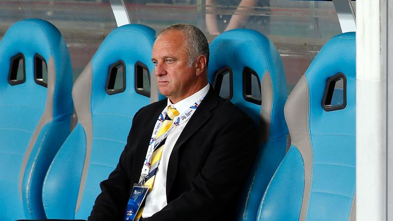 Graham Arnold: Central Coast Mariners coach claims he rejected Sheffield United