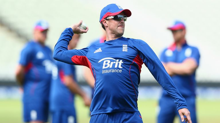 Graeme Swann: England will not take risks with No 1 spinner