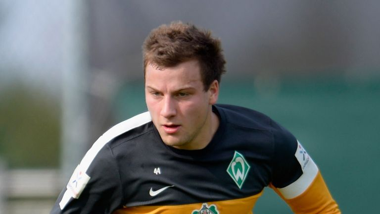 Philipp Bargfrede: Midfielder signs new Werder Bremen contract