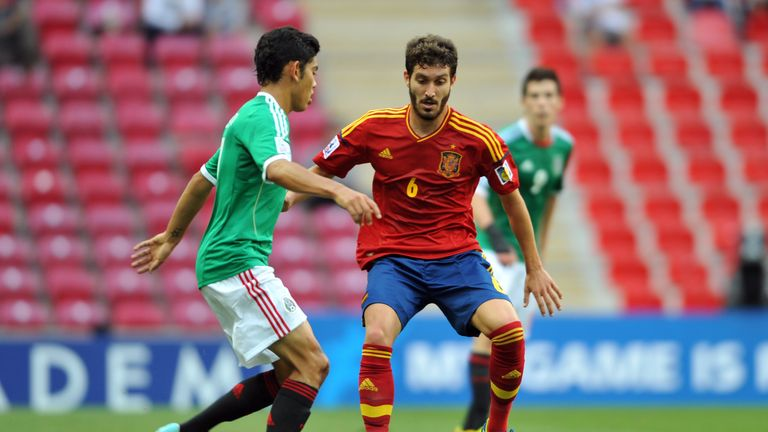 Jose Campana: Spain U20 midfielder joins Palace on four-year deal
