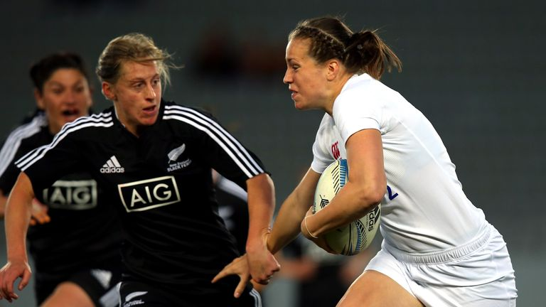 England centre Emily Scarratt returns against France