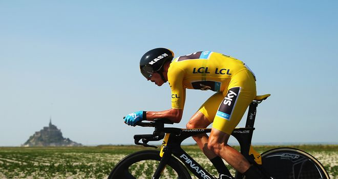 Chris Froome strengthened his grip on the yellow jersey on stage 11