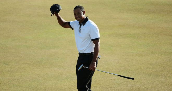 Tiger Woods: Two under and just three behind Zach Johnson