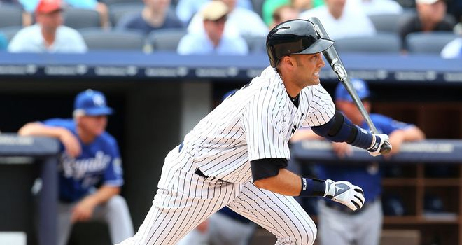 Derek Jeter returns to action in style in Yankees victory